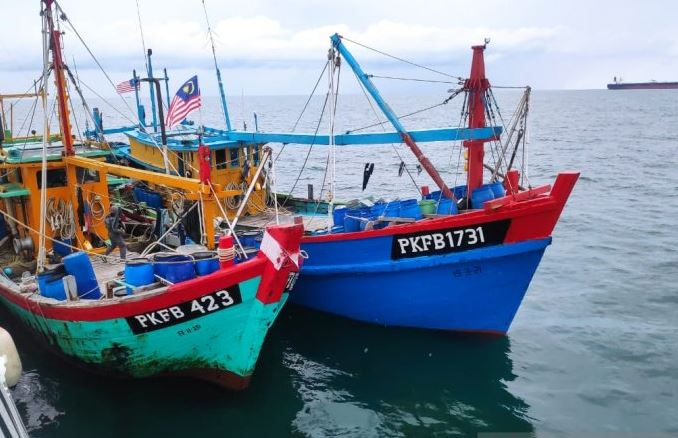 18.kapal pencuri ikan