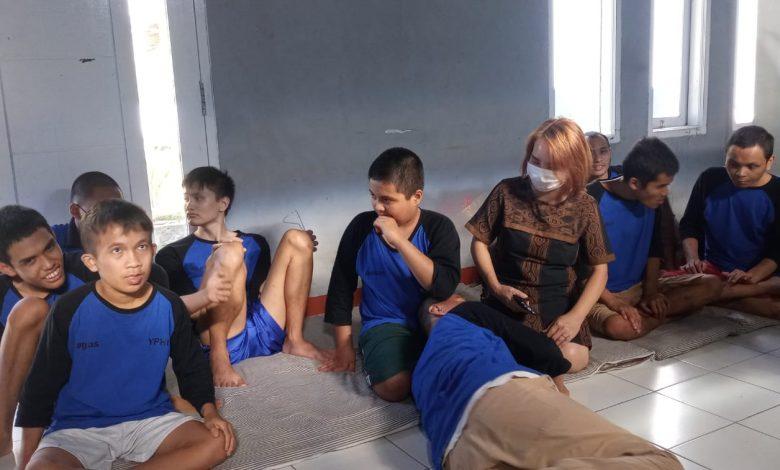 Dengan Mengandalkan Patungan YPHI Membina 15 Remaja ABK