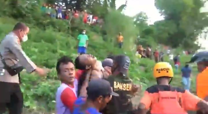 Mencari Kerang 2 Pemuda di Ngawi Tenggelam