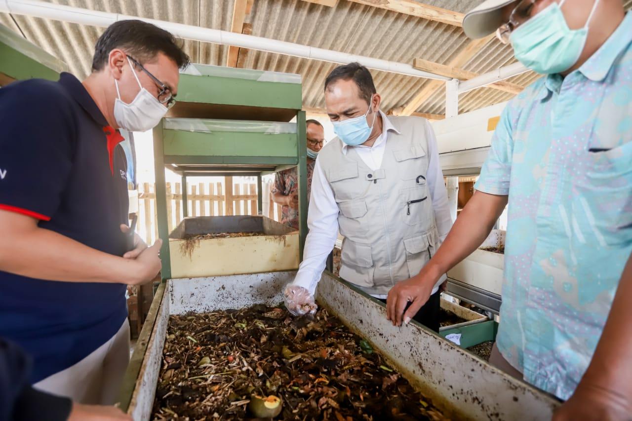 World Cleanup Day Pemkot Cimahi Hibah Motor