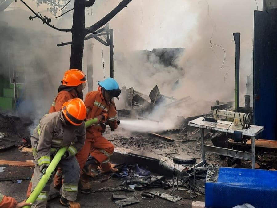Kebakaran Kios Jok di Jalan Mustofa Bandung